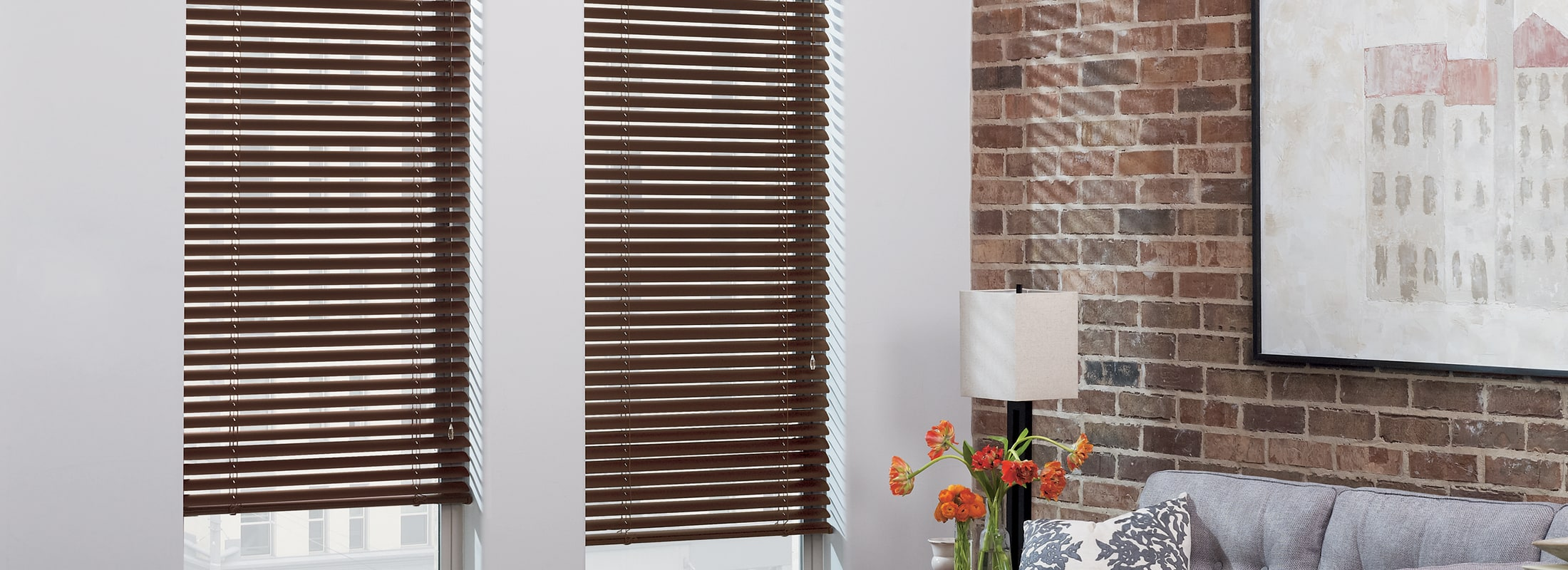 Aluminum blinds in Macro Aluminum Venetian Bronze Brushed - Modern Precious Metals